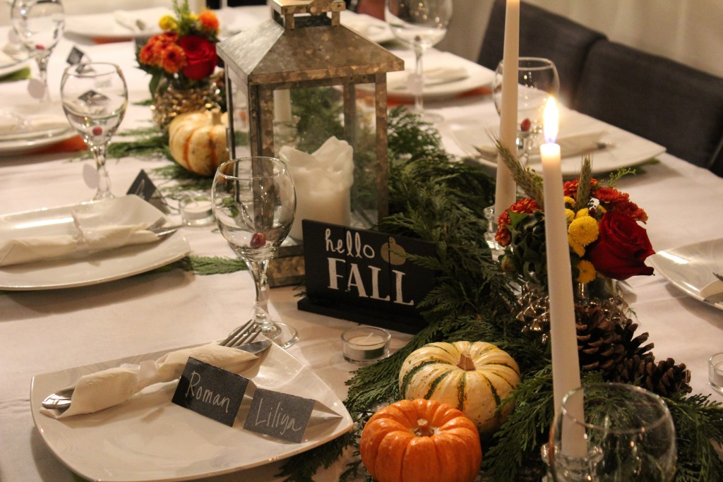 Friendsgiving table settings