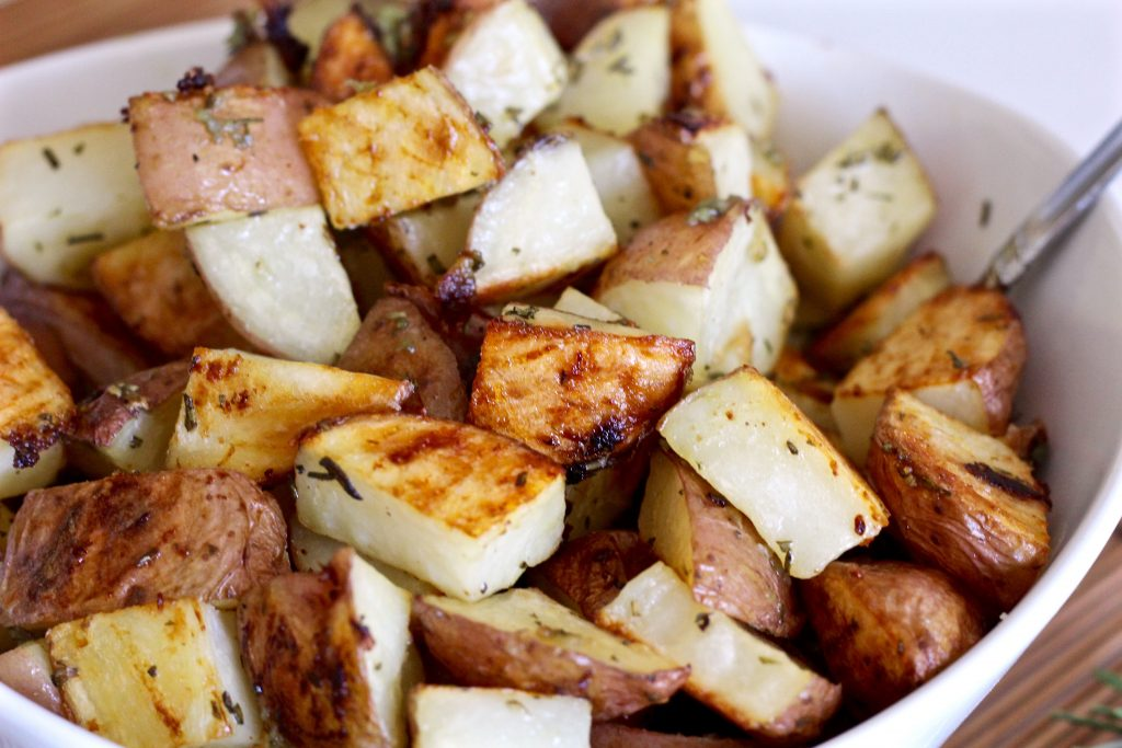crispy garlic herb roasted potatoes